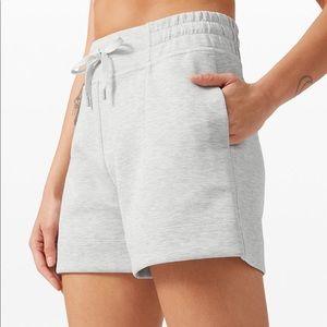 """Lululemon soft ambition HR shorts 4"""""""